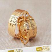 Par de alianças mais anel de noivado em ouro WM10055