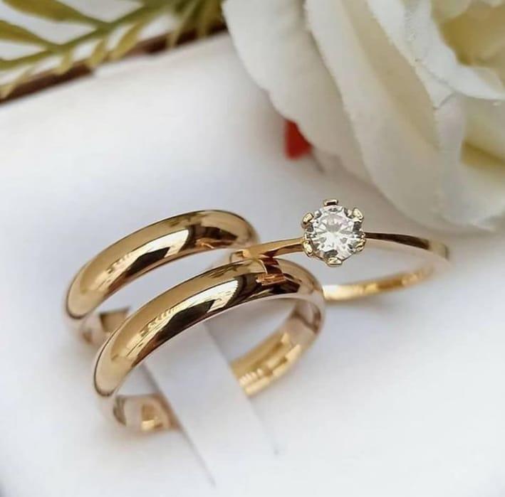 Aliança abaulada em ouro com 5 mm com anel  WM10281