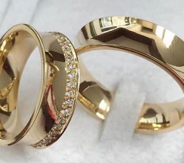Aliança de casamento Côncava  em ouro amarelo 18k 750  Peso 13 Largura 6mm - WM10020