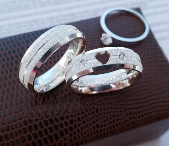 Aliança de namoro com coração ganhe anel WM10279