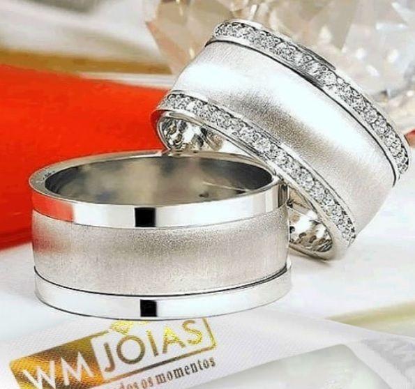 Aliança de prata com pedra   Peso 18 gramas o par Largura 8mm - WM10022