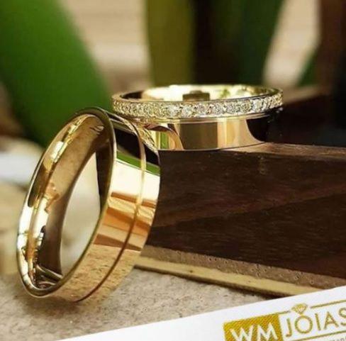 Aliança em ouro 18k para casamento   Peso 14 Largura 7mm - WM10018