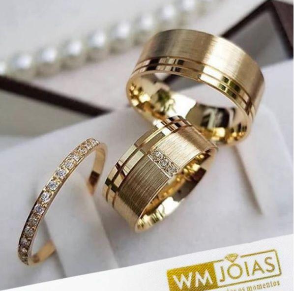 Aliança em ouro e aparador com brilhantes   Peso 14 Largura 8mm - WM10015