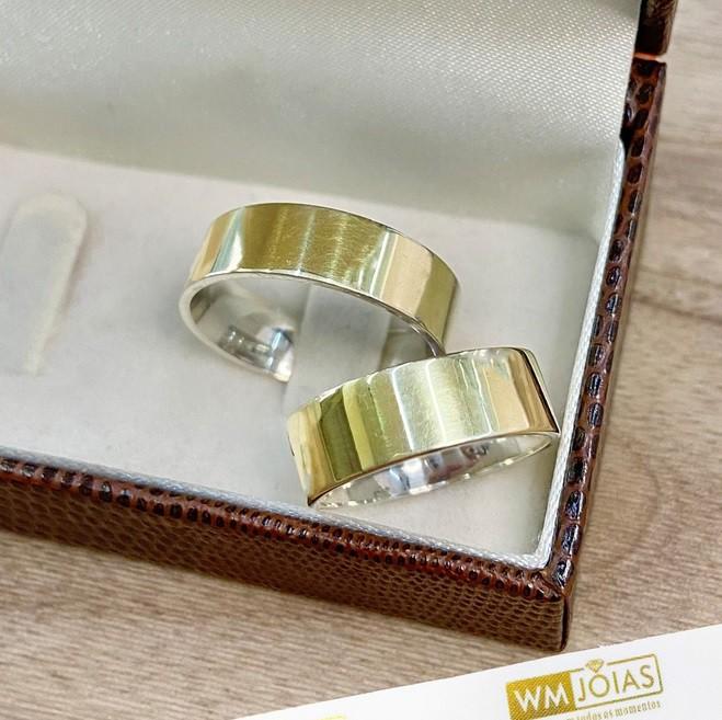 Aliança noivado e casamento 7 mm prata e ouro WM10274