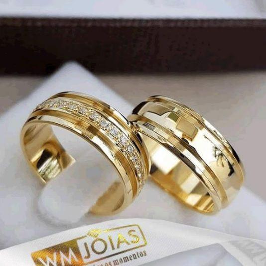 Aliança ouro amarelo 18k  Peso 10 gramas o par Largura 5mm- WM10093