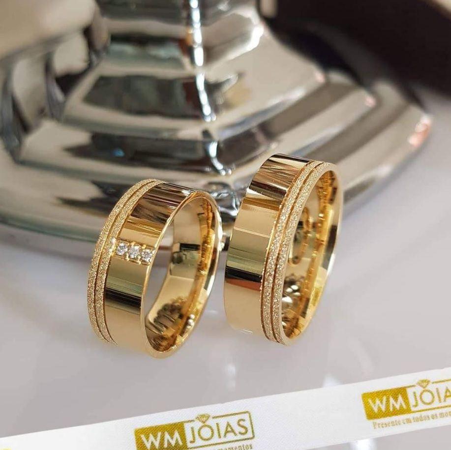Alianças de  Noivado e casamento  Peso 14 gramas o par Largura 7mm- WM10074