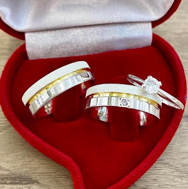 Alianças de prata com friso dourado  Largura 6mm - WM10329