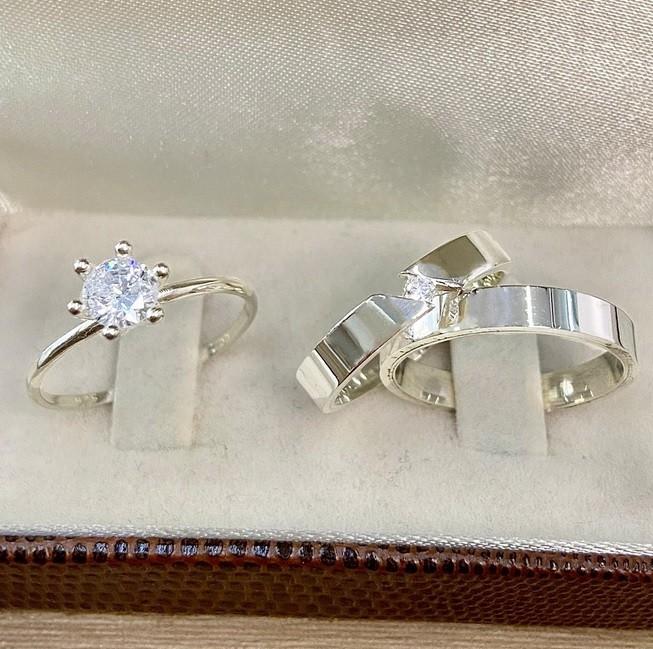 Alianças de prata para compromisso WM10287
