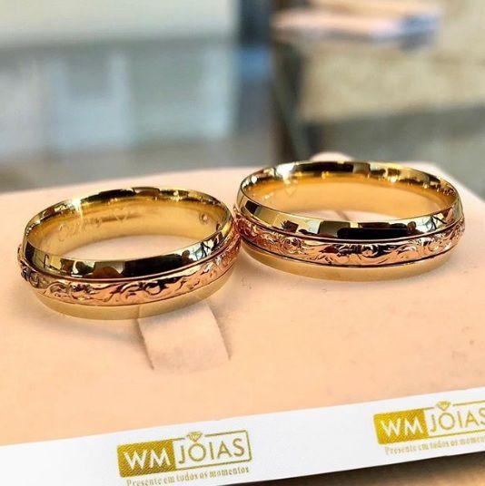Alianças Ouro Amarelo e Rosé 18k 750 Peso 12 gramas o par Largura 6mm- WM10062