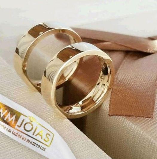 Alianças quadradas em ouro amarelo  Peso 8 gramas  Largura 4mm- WM10138