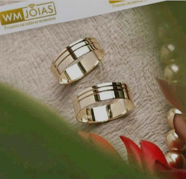 Par de aliança de casamento e Noivado  Peso 11 gramas o par Largura 6 mm- WM10041