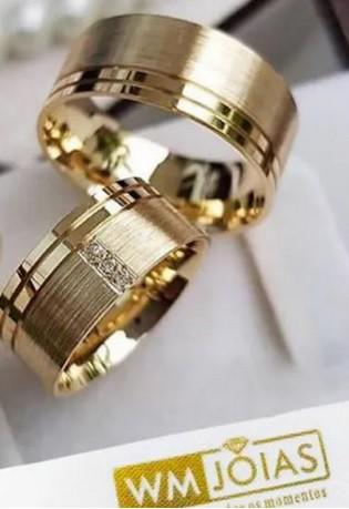 Par de alianças em ouro amarelo 18k WM10015
