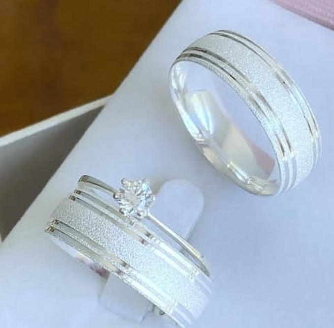 Par de alianças prata 950- 6mm com anel solitário WM10305