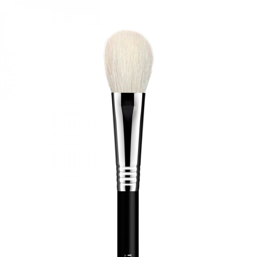 Pincel F28 Chato Iluminador Small Cheek Brush- Daymakeup