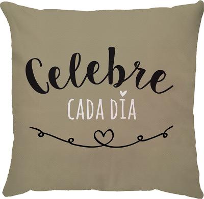 Capa de Almofada Frase Celebre Cada Dia Bege 45x45