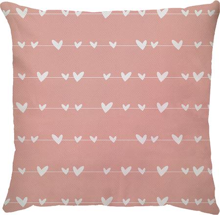 Capa de Almofada Varal de Corações Fundo Rosa 45x45