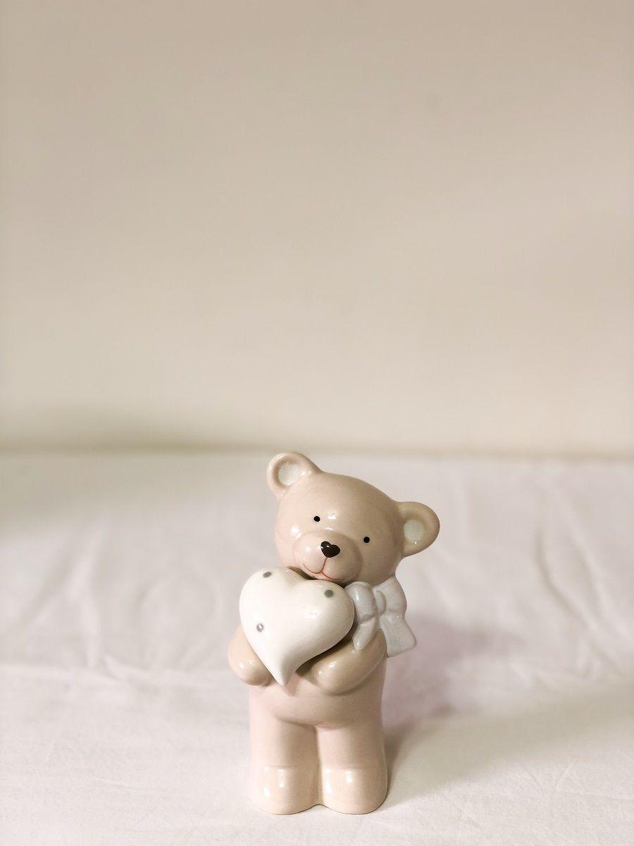 Ursinho de Porcelana Medindo: 7,5cm Comp x 7,5cm Larg x 14cm Alt.