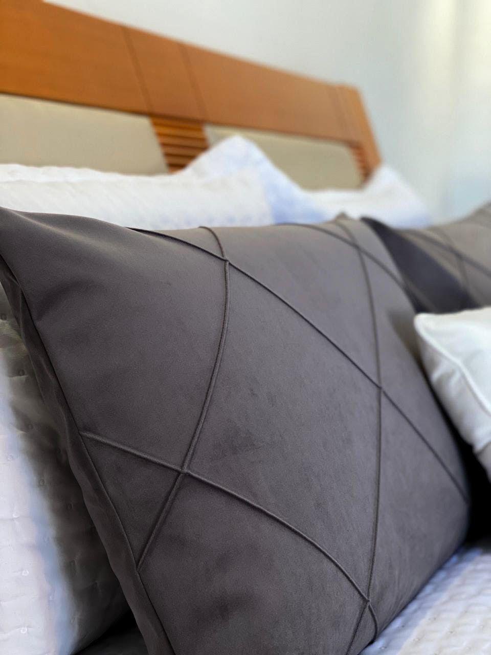 Kit 2 Porta Travesseiros Veludo Cinza Escuro c/ Costura