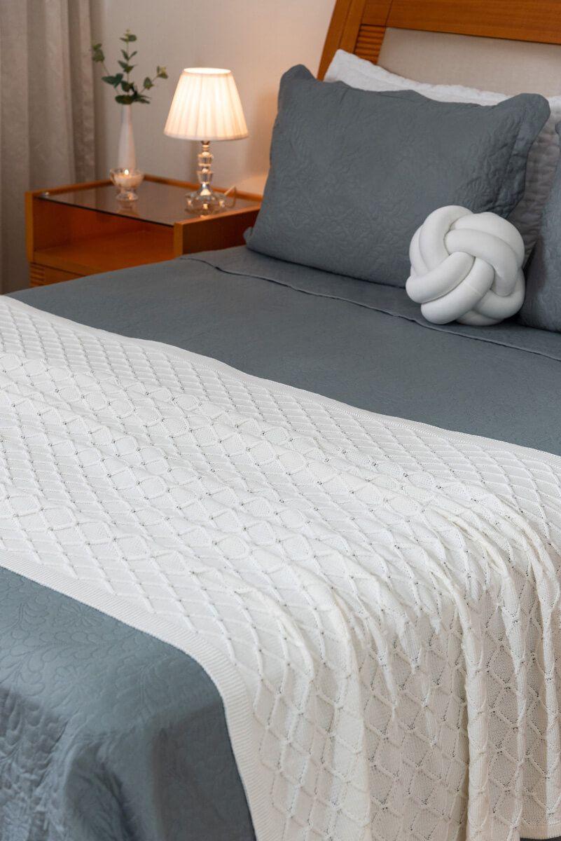 Peseira Decorativa Antialérgica Tricot Off-White 120x220