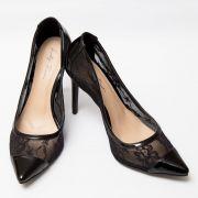 Sapato Scarpin de Renda Preto