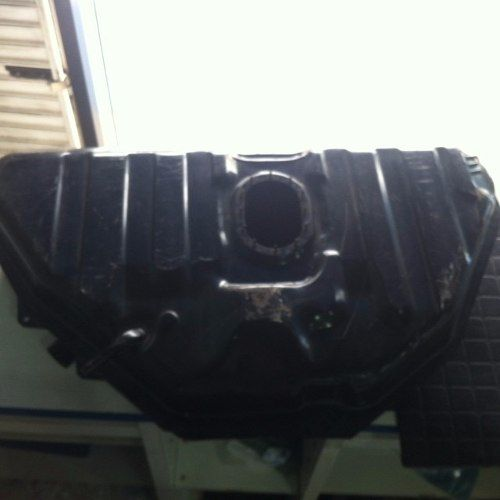 Tanque Combustível Uno 92/94 F.oval 55 L Retirada Em Mãos