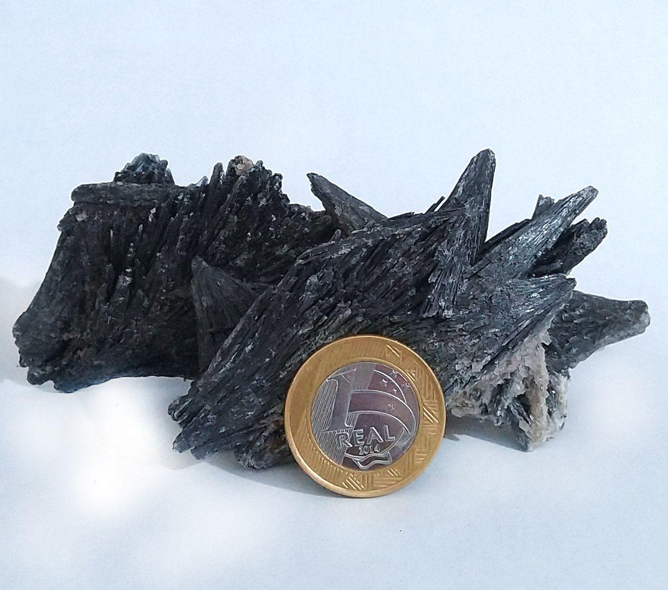 Cianita Preta - Bruto - 7 a 8 cm