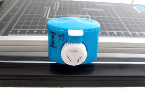 Guilhotina E Refiladora 4 X1 Refila Reto Ondulado Serrilhado