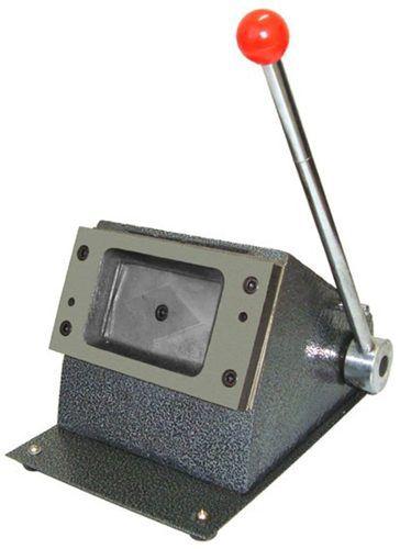 Cortador Para Cartão De Pvc Crachá 86x54mm - De Mesa -manual
