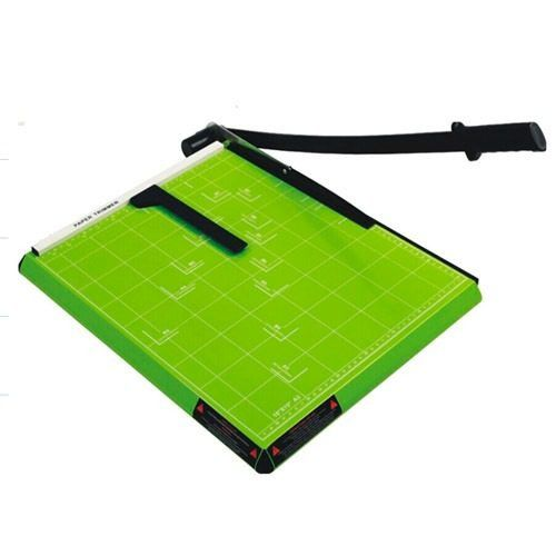 Guilhotina A4 Com Margeador Magnético Verde 12 Folhas