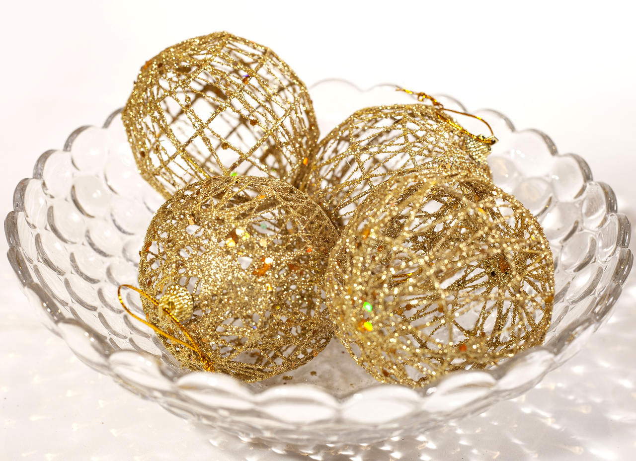 Conjunto De Bolas Natalinas Vazada Dourada - 4 Unidades