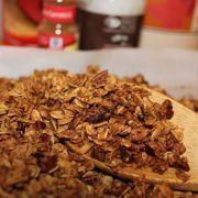 Granola De Cereais e Frutas Tradicional Com Açúcar Mascavo e Mel 1kg