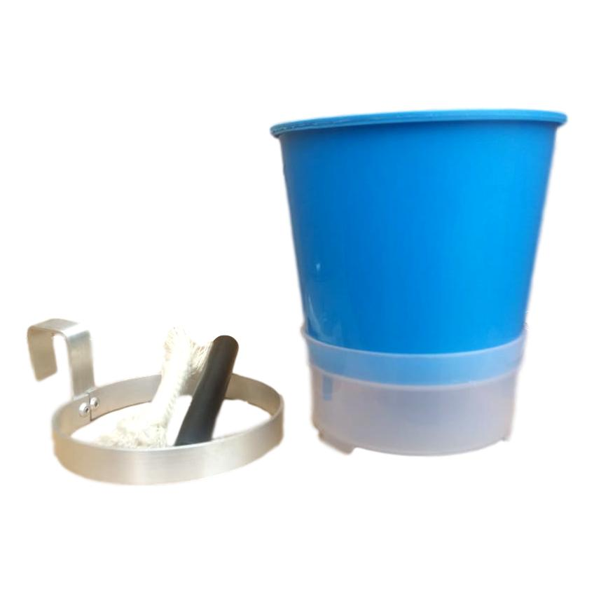 Kit Com 3 Vasos Autoirrigáveis Azul + 3 Suportes Em Alumínio Natural