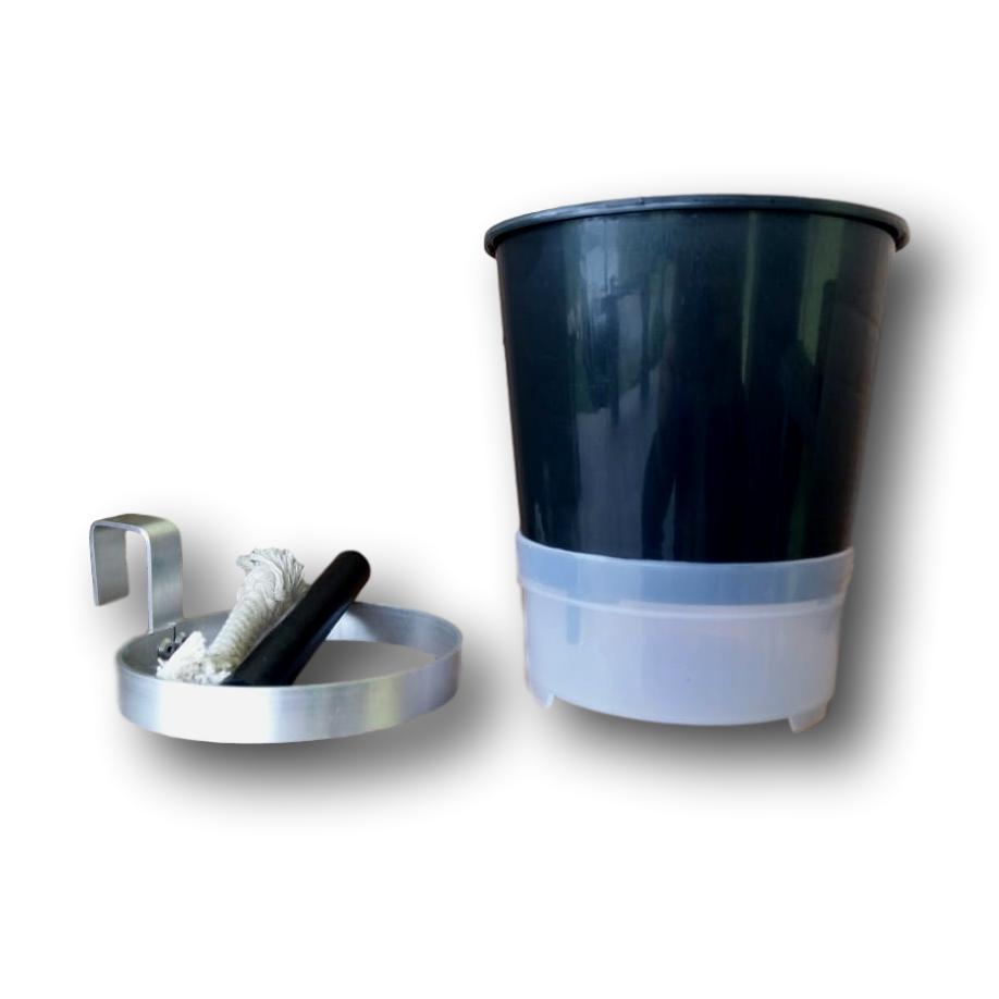 Vaso Auto Irrigável ou autoirrigável  20 Unidades + 20 Unidades De Suportes Em Alumínio Natural Para Pendurar