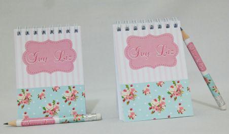 Lembrancinha de 15 anos - Bloquinho de Anotações com Mini Lápis Floral