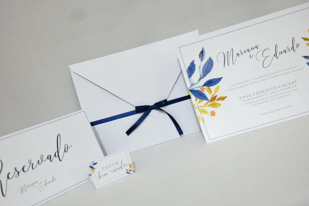 Convite de Casamento com Envelope e Relevo Seco
