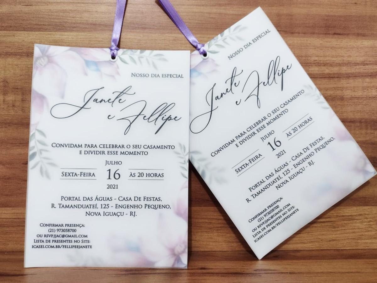 Convite de Casamento em Papel Vegetal com Flores Lilás