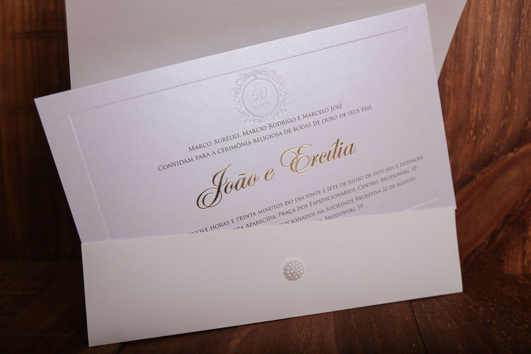 Convite para Bodas de Ouro com Relevo Seco, Almofada e Hot Stamping