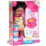 BONECA MY LITTLE COLLECTION COME E FAZ CAQUINHA NEGRA DIVERTOYS 8031
