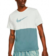 Camiseta Nike Breathe to Run Dri-fit DA0210-394 Verde Claro