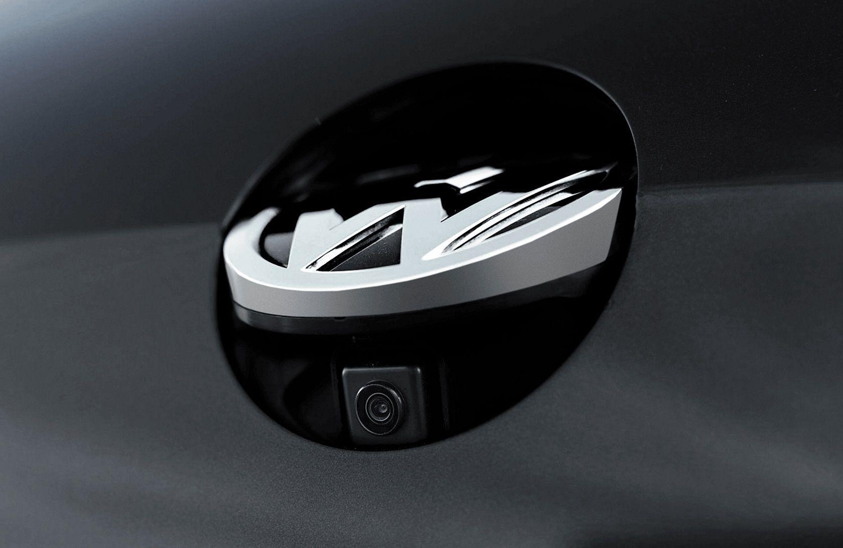Interface + Espelhamento + TV HD + Câmera emblema Golf