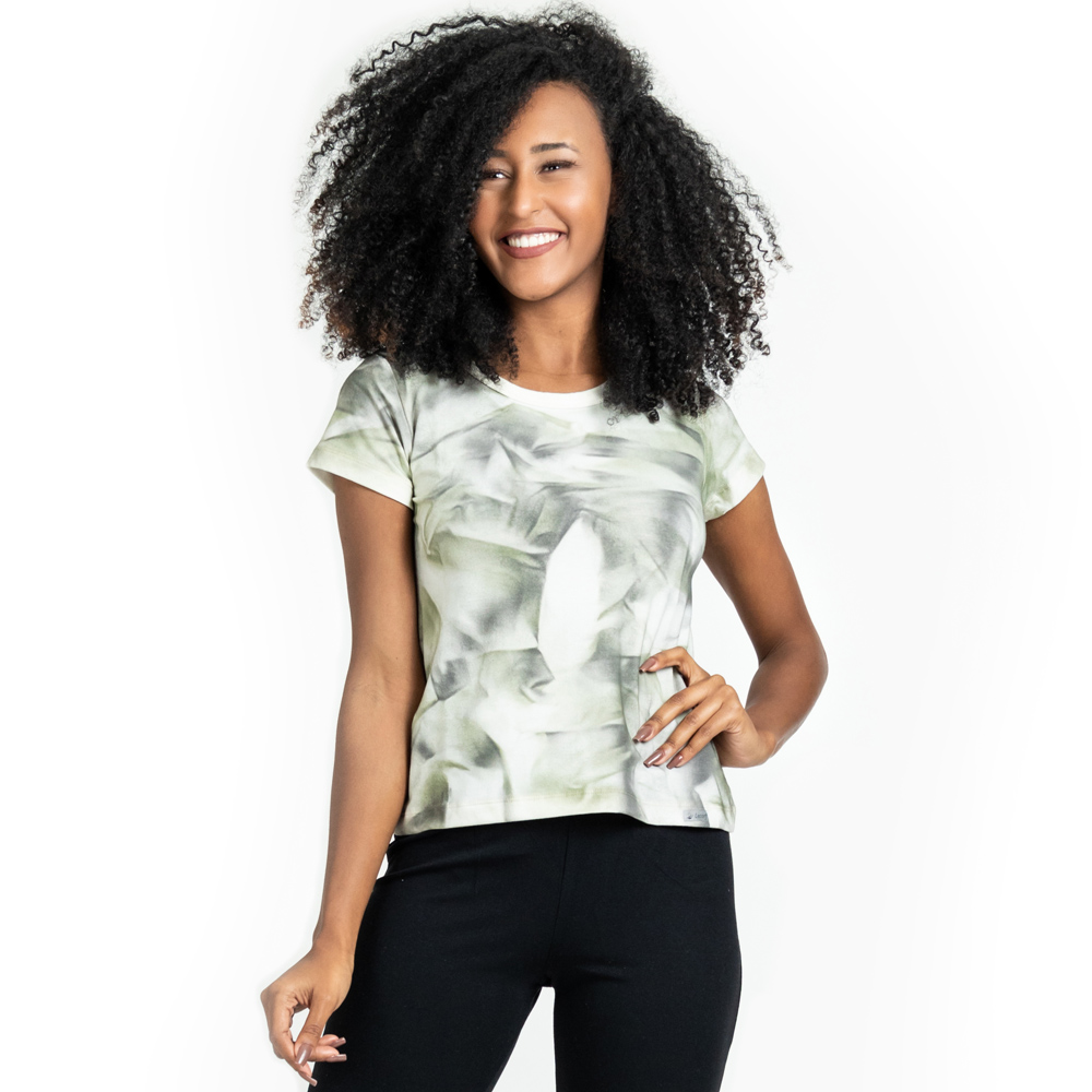 Camisa Feminina Em Malha Camuflada