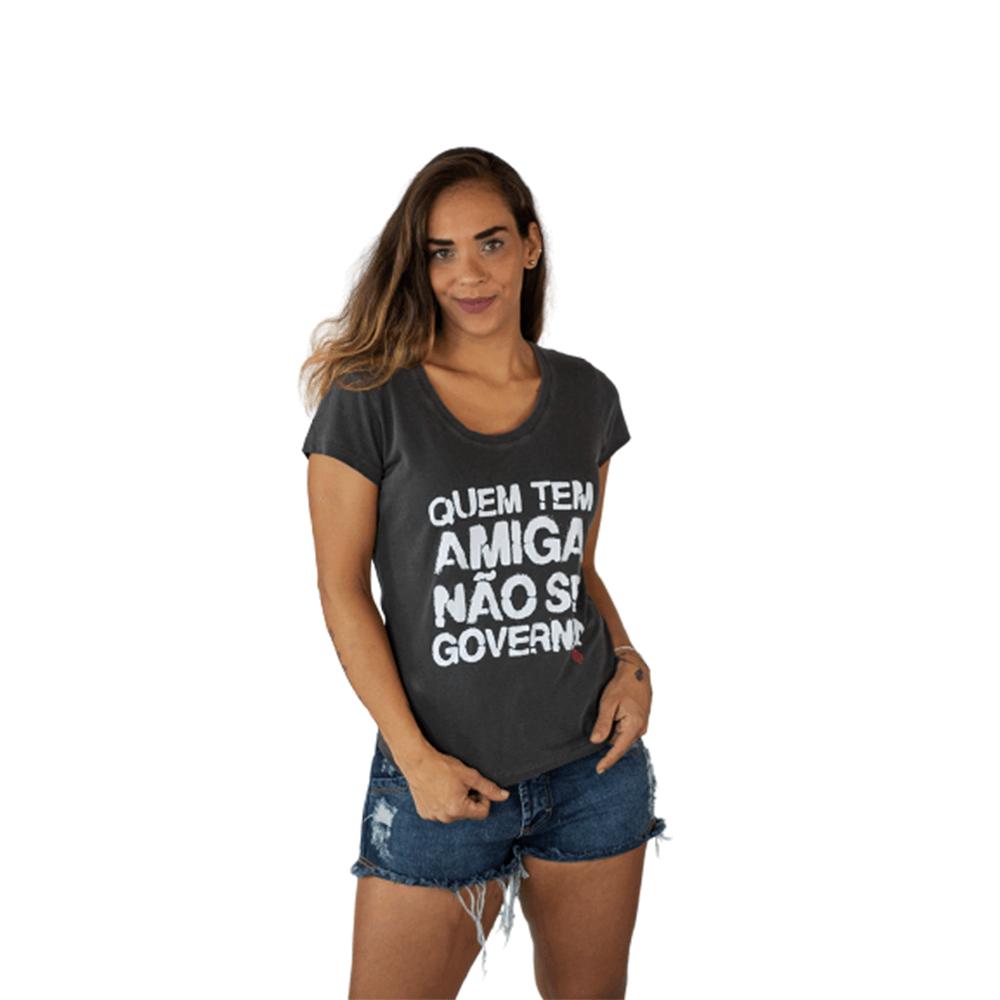 Camiseta Quem Tem Amigo Não Se Governa Algodão Cinza Tempt