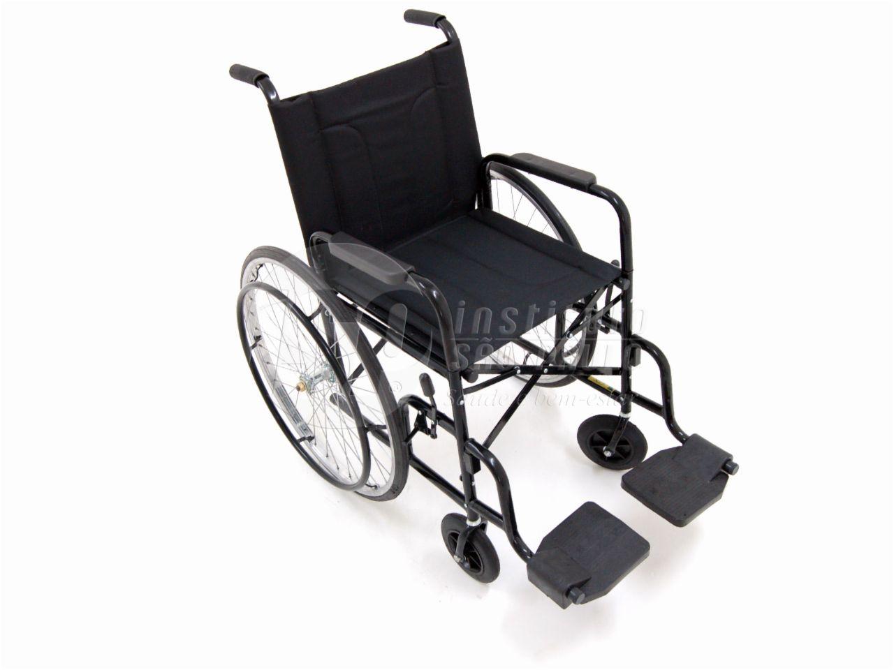 Cadeira De Rodas Cds M2000 Preta Com Pneus infláveis