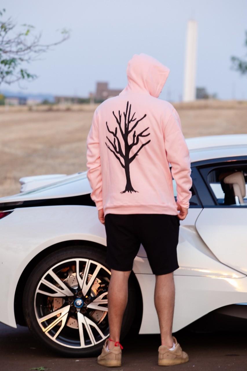 Blusa Moletom Rosa Caçadores de Lendas - Árvore Preta