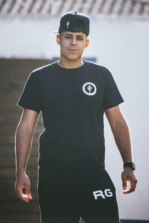Camiseta Long Oficial Caçadores de Lendas Preta