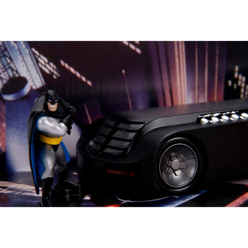 Boneco Metals Die Cast 1:24 - Batmobile  (The Animated Series) com Figura Batman | Jada/DC