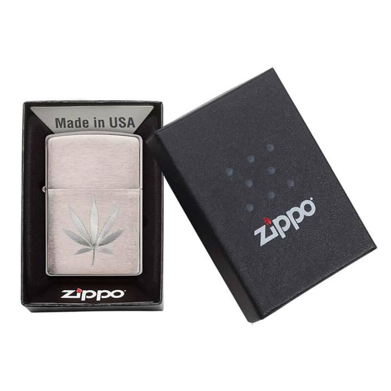 Isqueiro Zippo 29587 Classic Cromado Marijuana Leaf Escovado