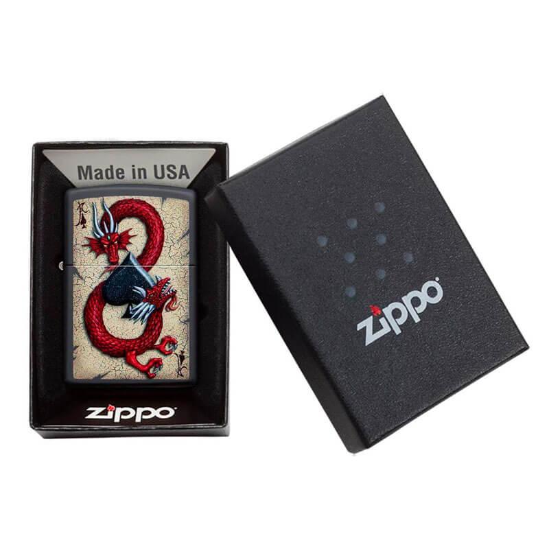 Isqueiro Zippo 29840 Classic Dragon Ace of Spades Preto Fosco
