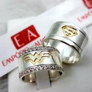 Alianças de Prata do Superman e Mulher Maravilha com Banho em Ouro