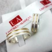 Alianças Prata Compromisso Namoro Quadrada Fosca Banho Ouro 7mm 13 Gramas Anatômica